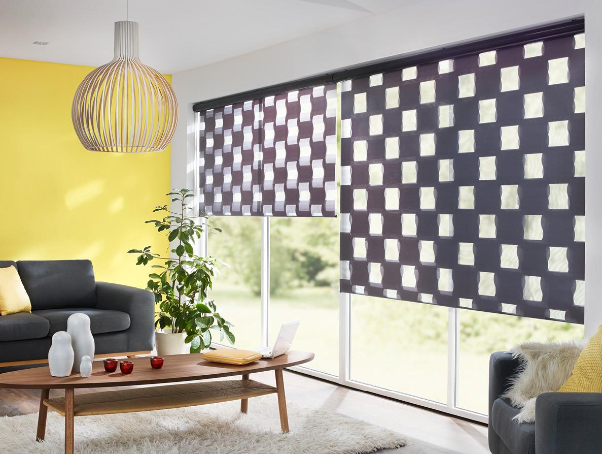 Erfal Magazin Doppelrollo Katalog 2018 Modernes Wohnzimmer Gelber Wand Und  Schwarzen Sherli Vorhang